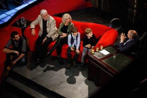 Moderátor Jan Rosák, zpěváci Jindra Polák a Michaela Tučná a dětští herci Emil Valchář a František Sládek v SJK 31. 10. 2018