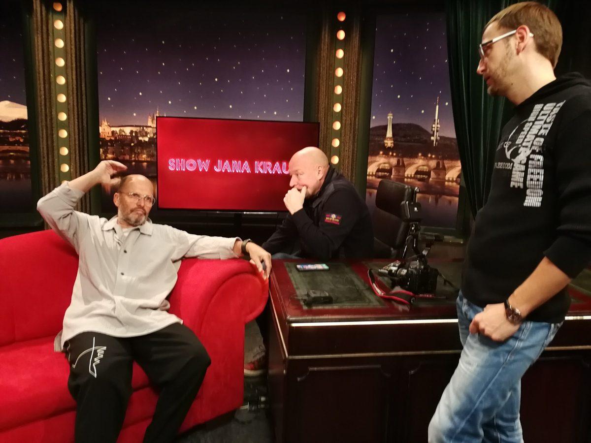 Režijní nastínění večera — zleva host Zdeněk Pohlreich, režisér dnešního natáčení Vojta Nouzák aFilip Budák zFTV Prima — SJK 28.11.2018