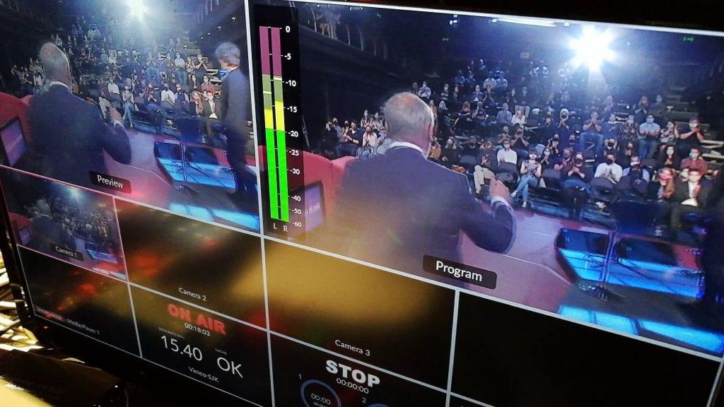 LIVE stream Show Jana Krause je k dispozici pouze v čase natáčení pořadu — živý přenos vč. jeho záznamu můžete sledovat na adrese showjanakrause.online ¦ Živé přenosy za 150,- nebo nesestříhané záznamy těchto streamů za 50,- Kč jsou dostupné vždy jen po omezenou dobu.