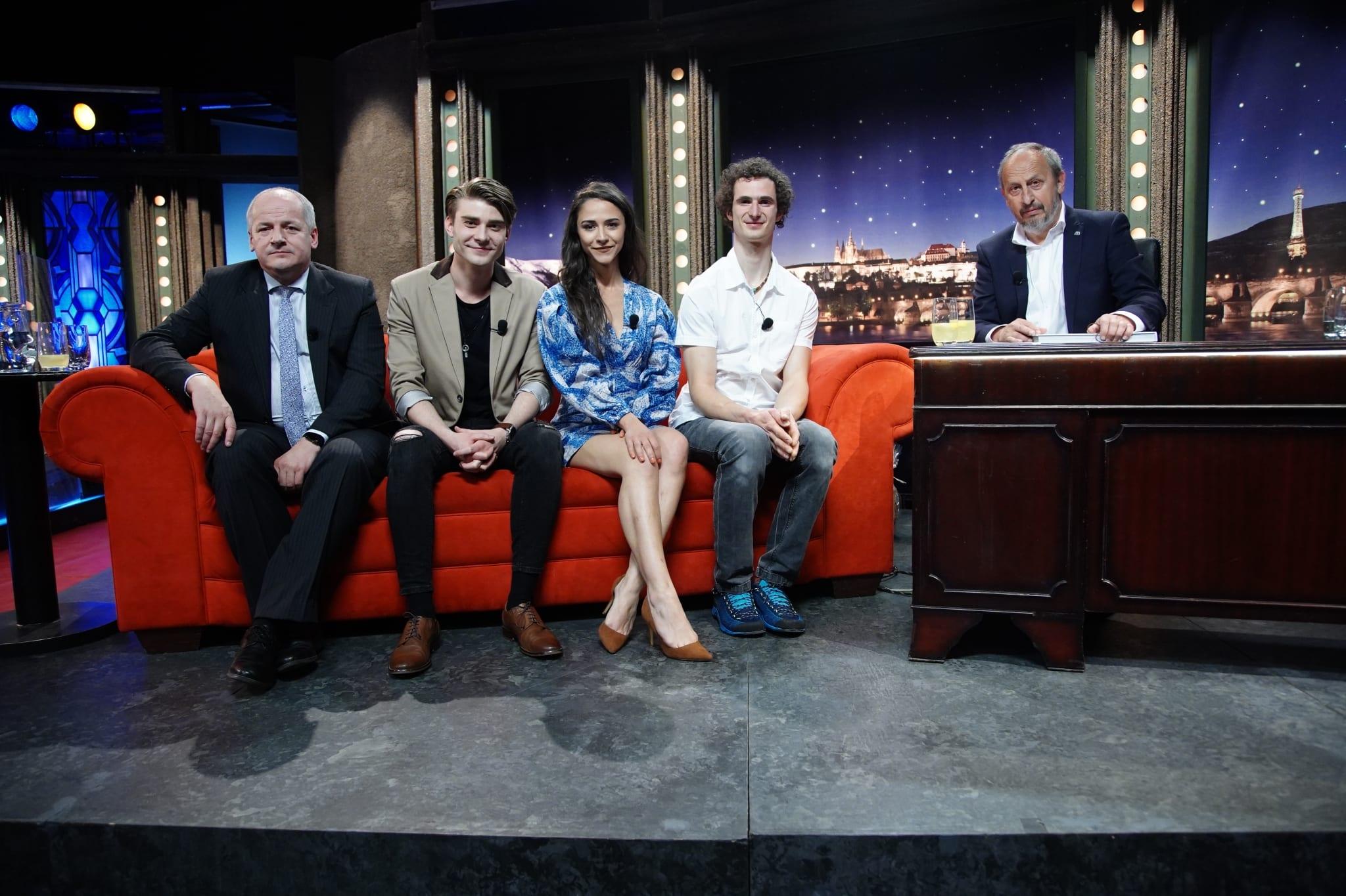 Hosté SJK 27. 5. 2020 — Náměstek ministra zdravotnictví Roman Prymula, herci Eva Burešová a Marek Lambora a sportovní lezec Adam Ondra.