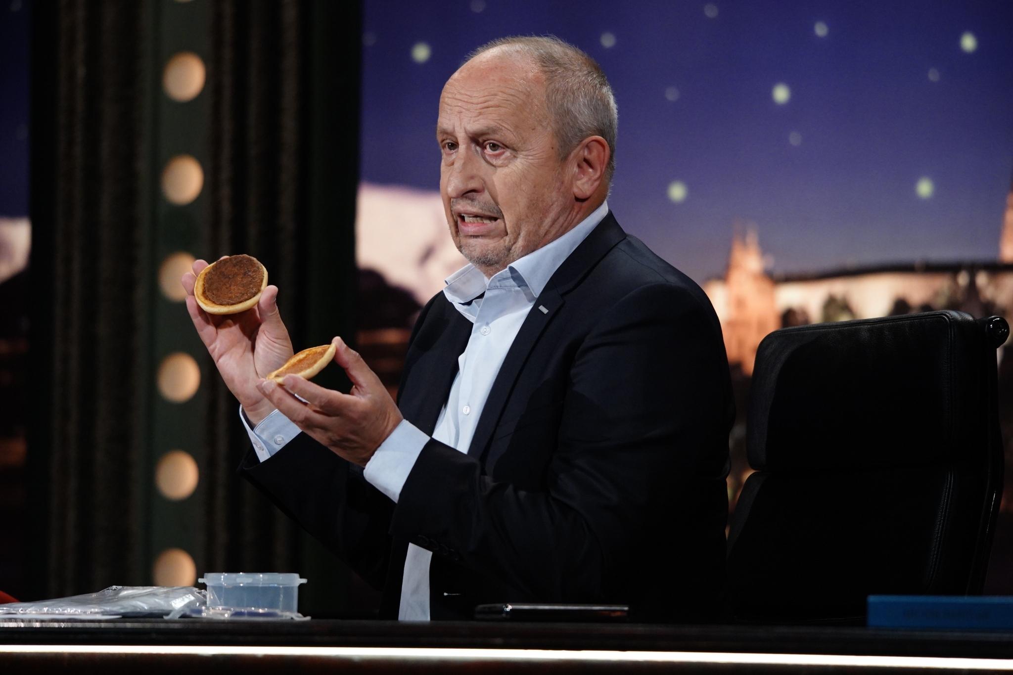 Pětiletý hamburger bez známek mikroflóry v rukou Jana Krause, SJK 16. 9. 2020