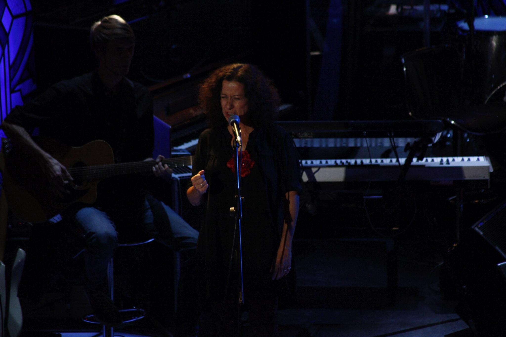 Ester Kočičková zpívá naživo — SJK 7. 11. 2018