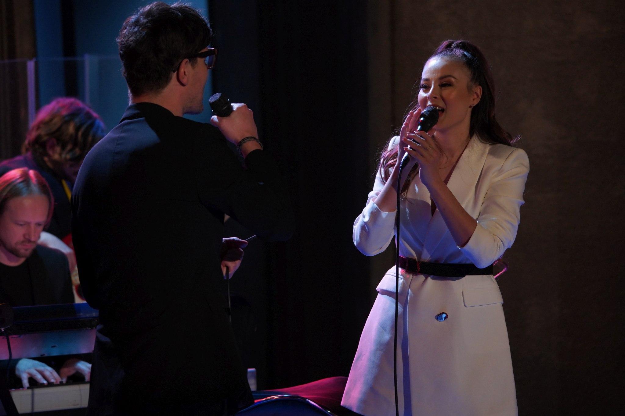 Zpěvačka Monika Bagárová (zazpívá společně s Davidem Krausem) v SJK 22. 12. 2020