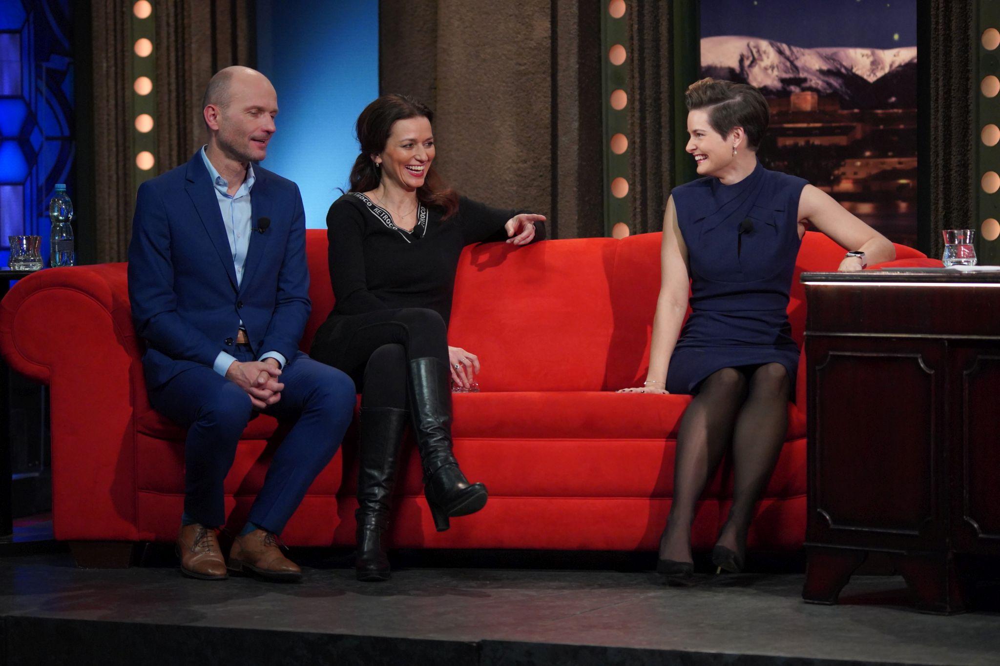 Zleva: Adéla a Dalibor Gondíkovi a Martina Viktorie Kopecká v Show Jana Krause 13. 1. 2021