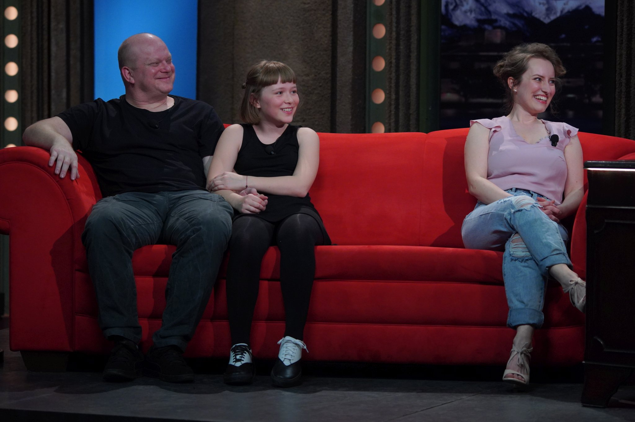 Zleva: Herec David Novotný s dcerou Anežkou a marketingová specialistka a kuchařka Pavlína Lubojatzky v SJK 17. 3. 2021