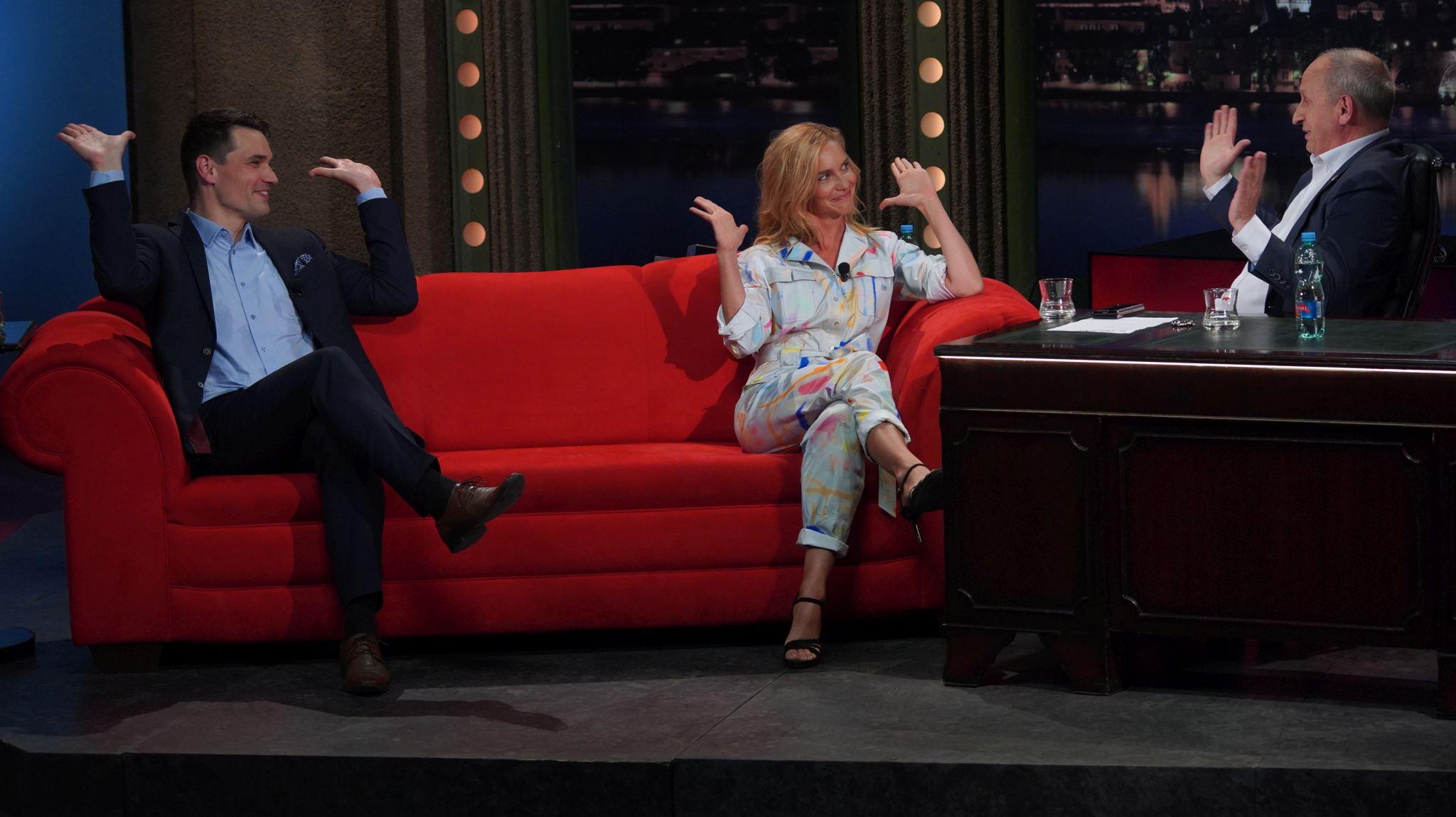 Zleva: Moderátor Daniel Stach a herečka Hana Vagnerová v SJK 19. 5. 2021