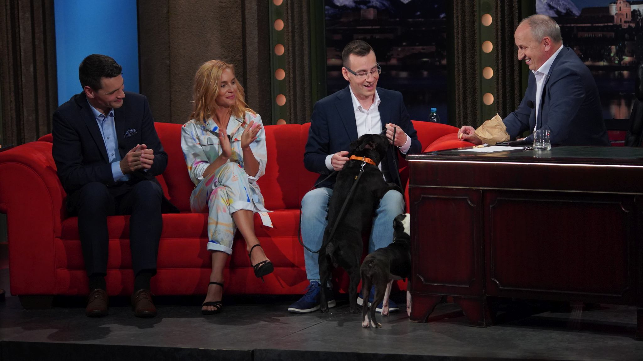 Zleva: Moderátor Daniel Stach, herečka Hana Vagnerová a cvičitel psů Robert Zlocha v SJK 19. 5. 2021