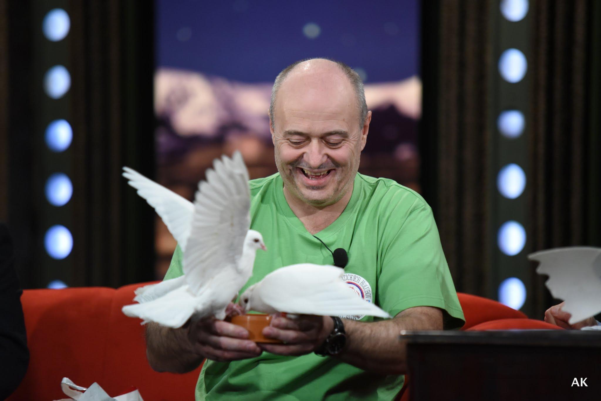 Chovatel holubů Josef Voráček v SJK 13. 4. 2016