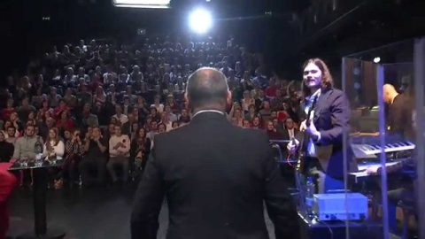 Herečka Eva Holubová, herec, režisér a překladatel Jiří Ornest, herec Bob Klepl, a jako zvláštní host zazpívá Ivana Chýlková v SJK 17. 12. 2014