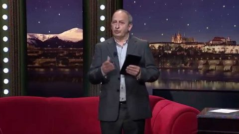Hokejisté Jiří Šlégr a Pavel Francouz, herec, dabér a moderátor Otakar Brousek ml. a královna marmelád Blanka Milfaitová v SJK 6. 5. 2015