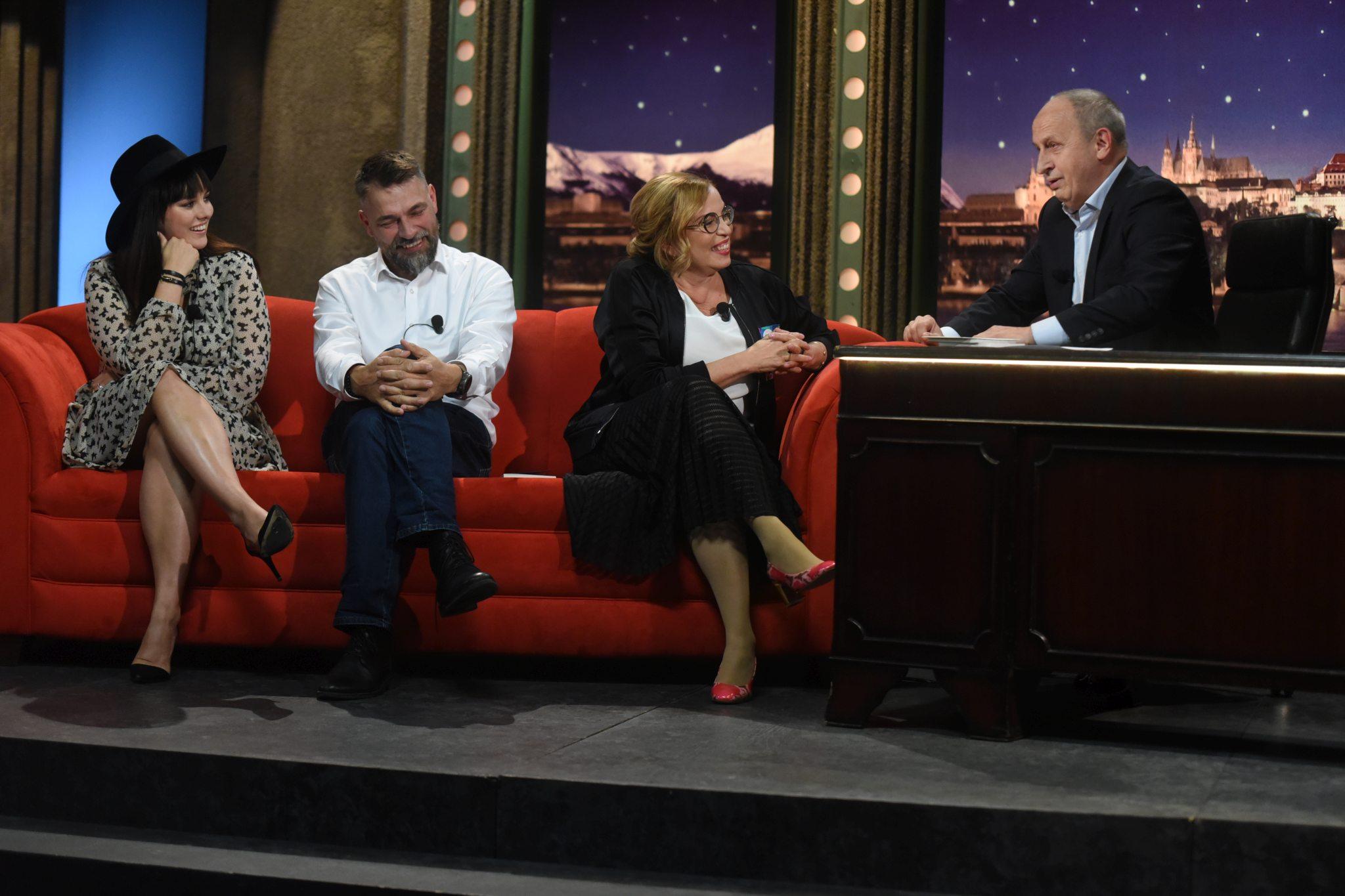 Zpěvačka Ewa Farna, hradní pán a pivovarník Ondřej Slačálek a koučka Janka Chudlíková v SJK 11. 9. 2019